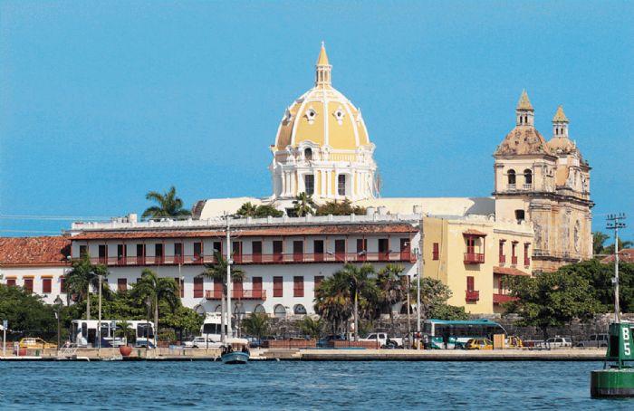 Cartagena como centro Turístico é Industrial